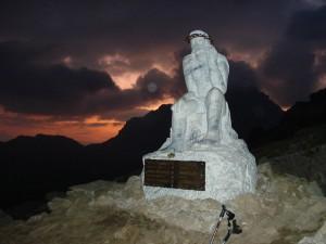 DSC03088 300x225 Nordic Walking nell'alba dei Suoni delle Dolomiti al Cristo Pensante – sabato 24 luglio