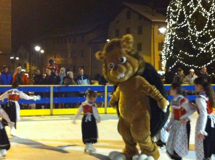 pattinaggio predazzo inaugurazione skiri Predazzo, chiude il pattinaggio di teflon in piazza