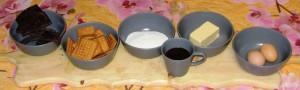 ingredienti salame cioccolato dini 300x90 Ricetta, salame di cioccolata by Dini