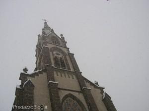 campanile predazzo con nevicata by predazzo blog 300x224 Predazzo, avvisi della Parrocchia dal 12 al 19 febbraio