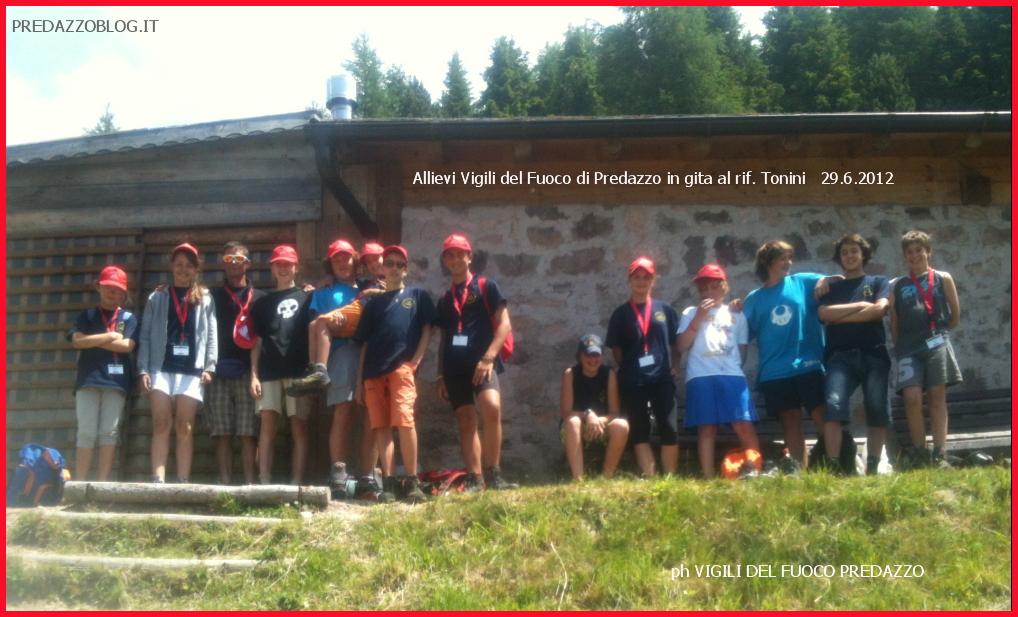 gruppo fiemme campeggio allievi vigili del fuoco trentino 2012 pine gira rifugio tonini Anche i ragazzi di Predazzo al 12° Campeggio Provinciale Allievi Vigili del Fuoco Volontari a Baselga di Pinè