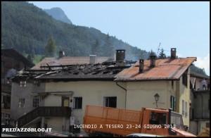 incendio a Tesero giorno 24.6.12 300x196 Pauroso incendio a Tesero nella notte di sabato