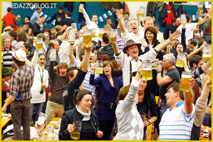 FESTA DELLA BIRRA PREDAZZO OKTOBERFEST predazzoblog Predazzo, Oktoberfest a tutta birra!! Il parere dellesperto in tema di alcool
