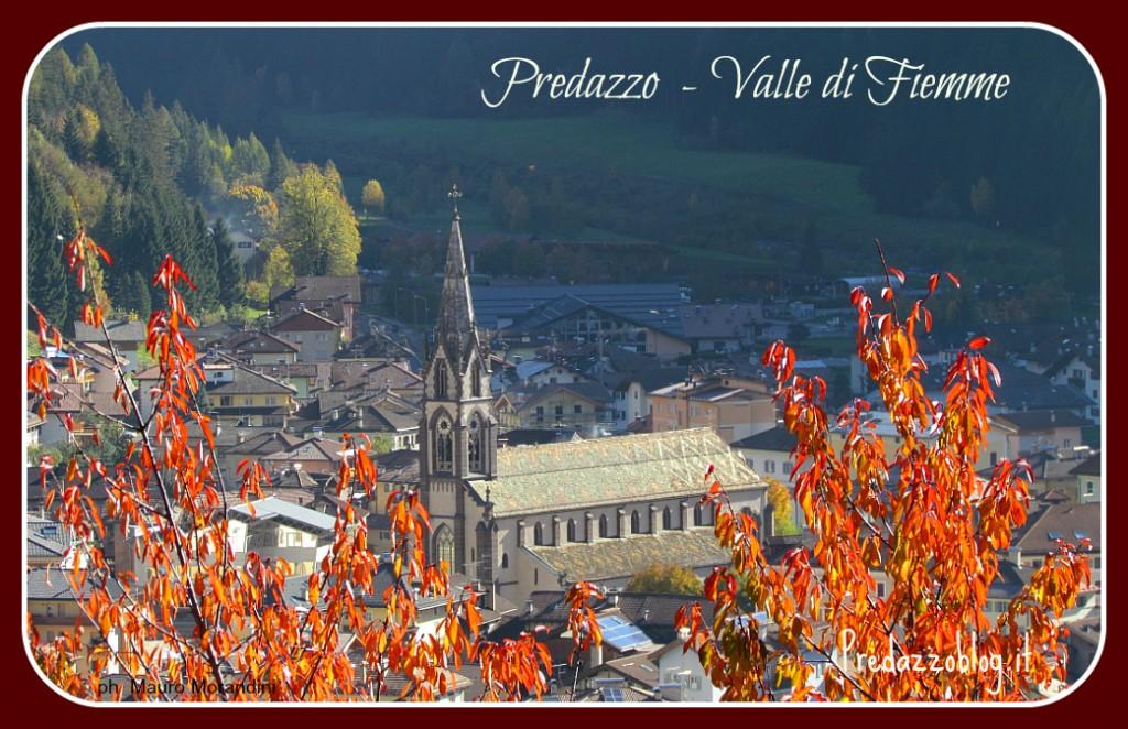 chiesa predazzo colori autunno ph mauro morandini cornice predazzoblog 1024x662 Predazzo, avvisi della Parrocchia dal 28.10 al 4.11