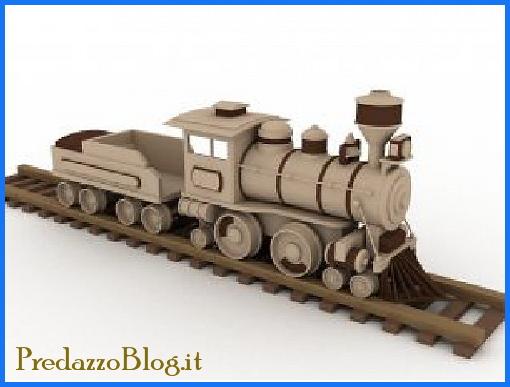 locomotiva in legno di larice Una locomotiva in legno di larice allex stazione di Predazzo