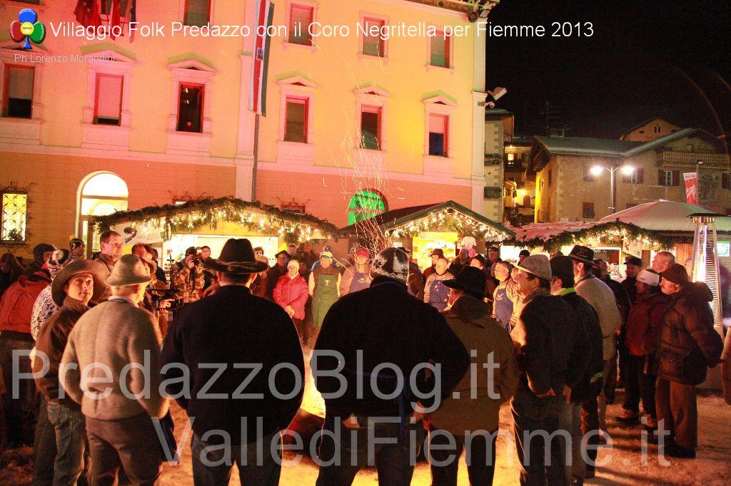 coro negritella predazzo serata mondiali fiemme villaggio folk7 Riapre il Villaggio sotto lAlbero di Predazzo