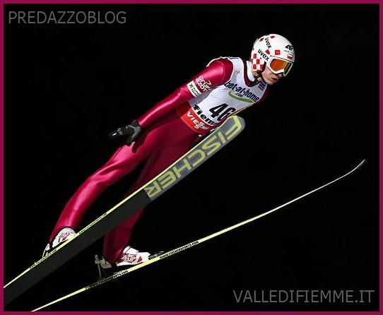 Kamil Stoch jump predazzo fiemme 2013 Quattro salti con Kamil Stoch questa sera nella piazza di Predazzo