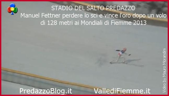 Manuel Fettner perde lo sci e vincere loro dopo un volo di 128 metri ai Mondiali di Fiemme 2013 Manuel Fettner perde lo sci e vince loro dopo un volo di 128 metri ai Mondiali di Fiemme 2013   VIDEO