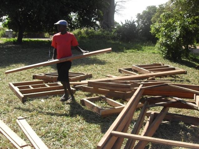 20130430 211353 Ultimo sforzo solidale per la Casa del Fiore, in Mozambico