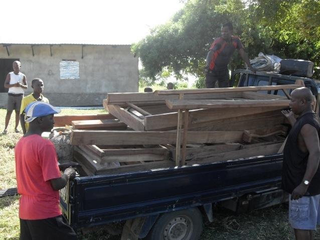 20130430 211423 Ultimo sforzo solidale per la Casa del Fiore, in Mozambico