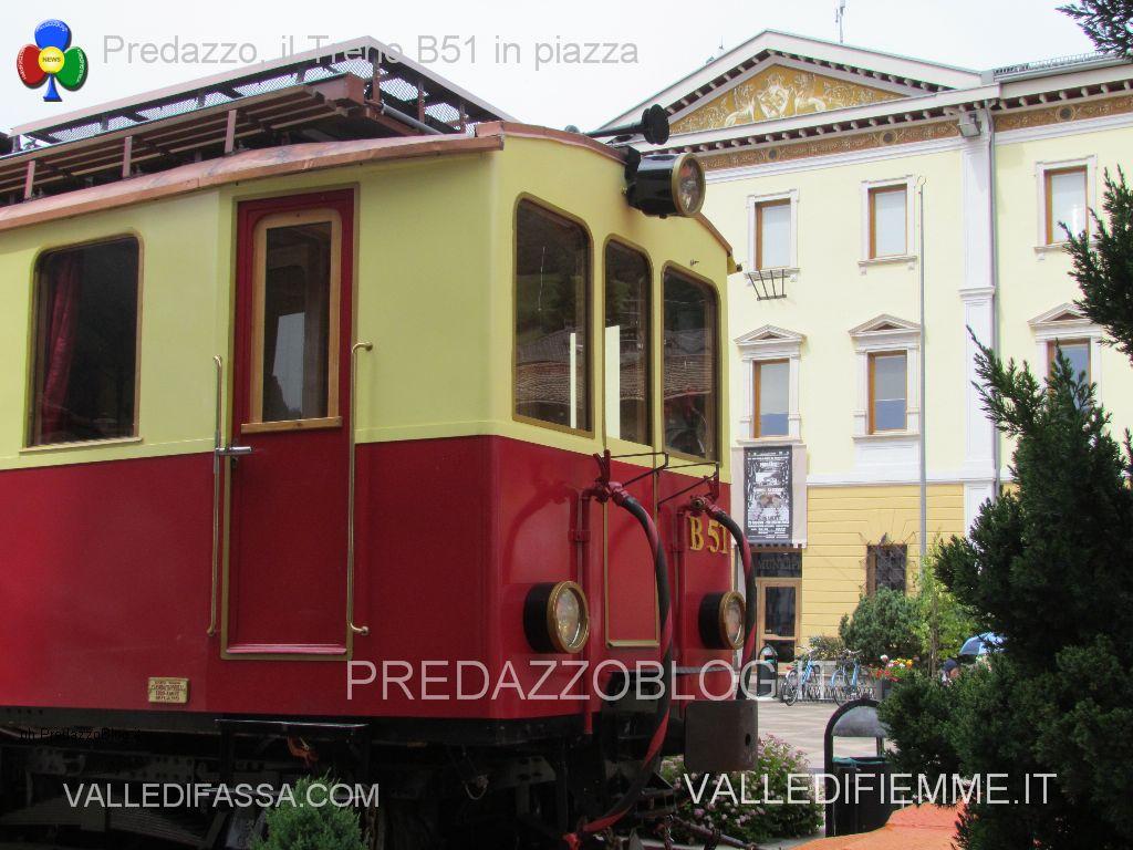 treno in piazza a predazzo b51 transdolomites treno fiemme predazzo blog13 Ferrovia e Mondiali della Val di Fiemme 2025 o 2027