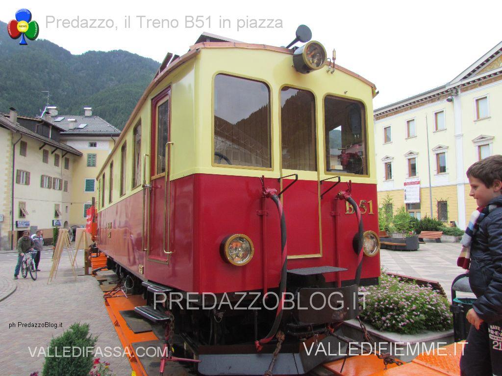 treno in piazza a predazzo b51 transdolomites, treno fiemme, predazzo blog22