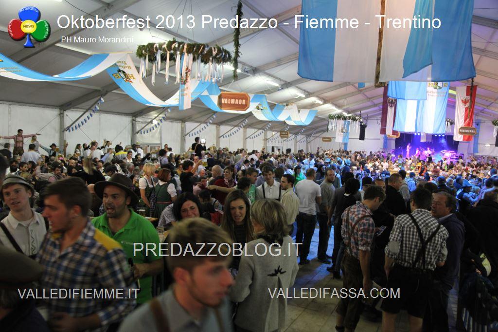 predazzo oktoberfest 2013 serata sabato 19.10.13 ph mauro morandini predazzoblog74 Oktoberfest Predazzo 2013   Le Foto di un evento spettacolare