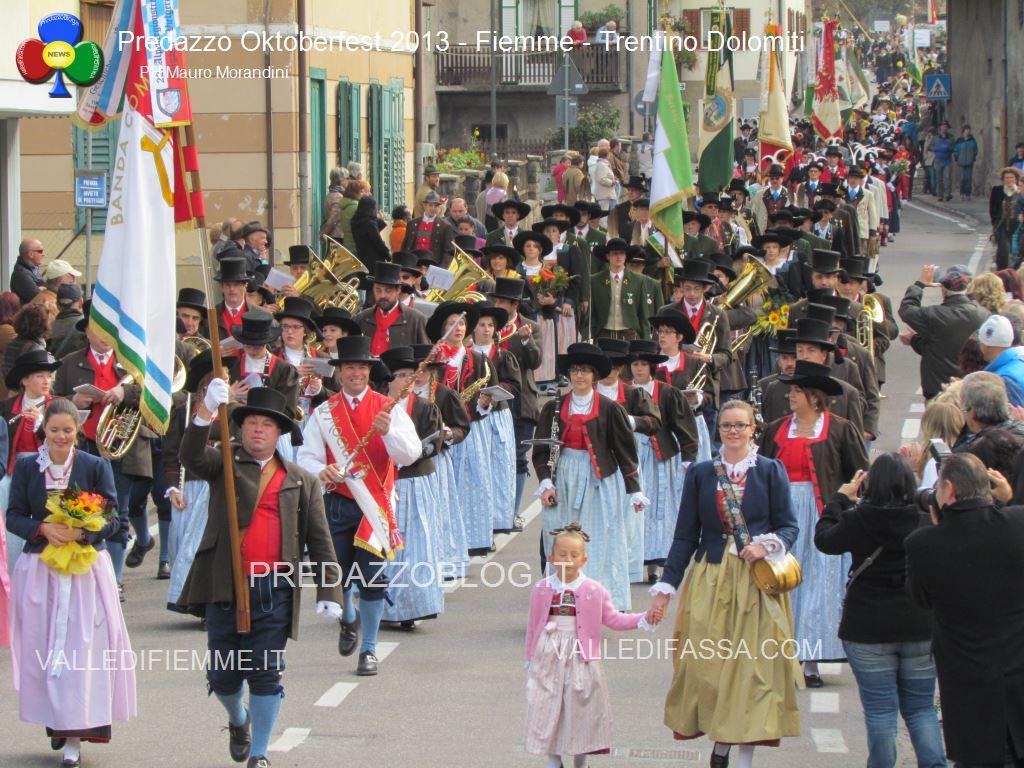 predazzo oktoberfest 2013 sfilata 20.10.2013 ph mauro morandini predazzoblog1071 Oktoberfest Predazzo 2013   Le Foto di un evento spettacolare