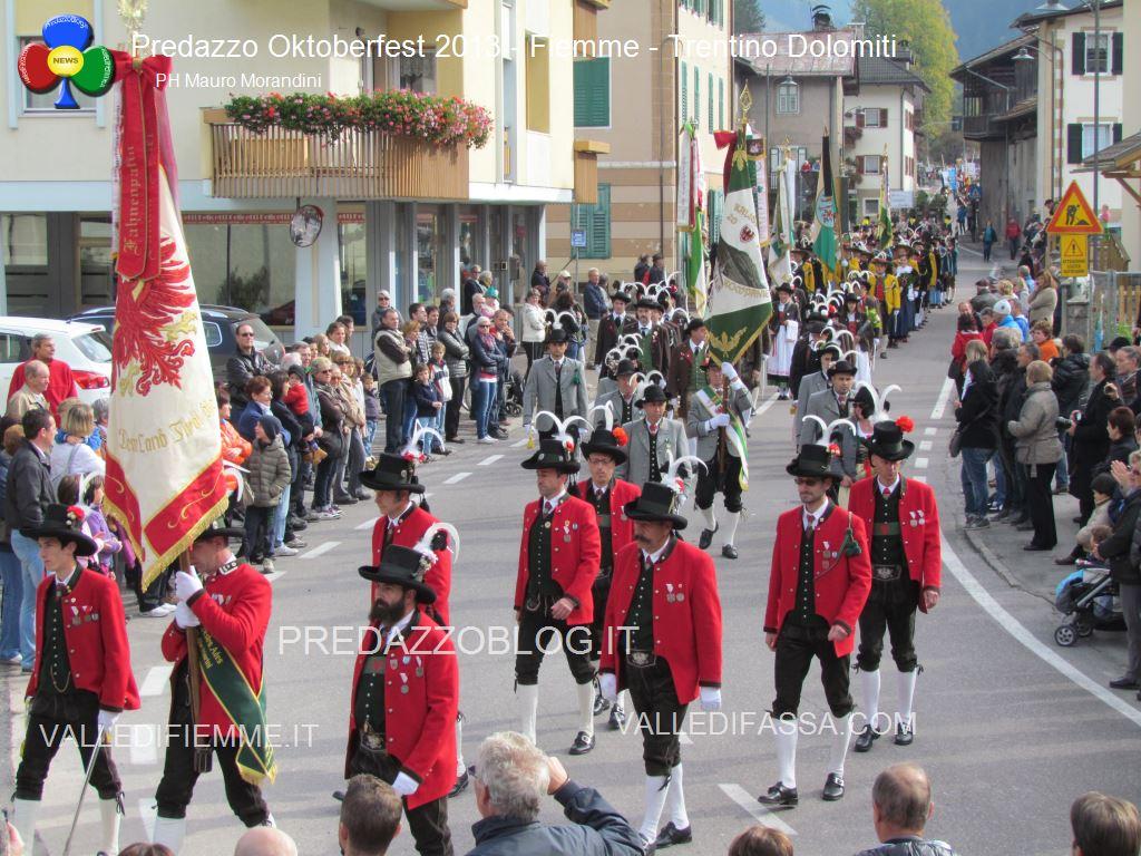 predazzo oktoberfest 2013 sfilata 20.10.2013 ph mauro morandini predazzoblog128 Oktoberfest Predazzo 2013   Le Foto di un evento spettacolare