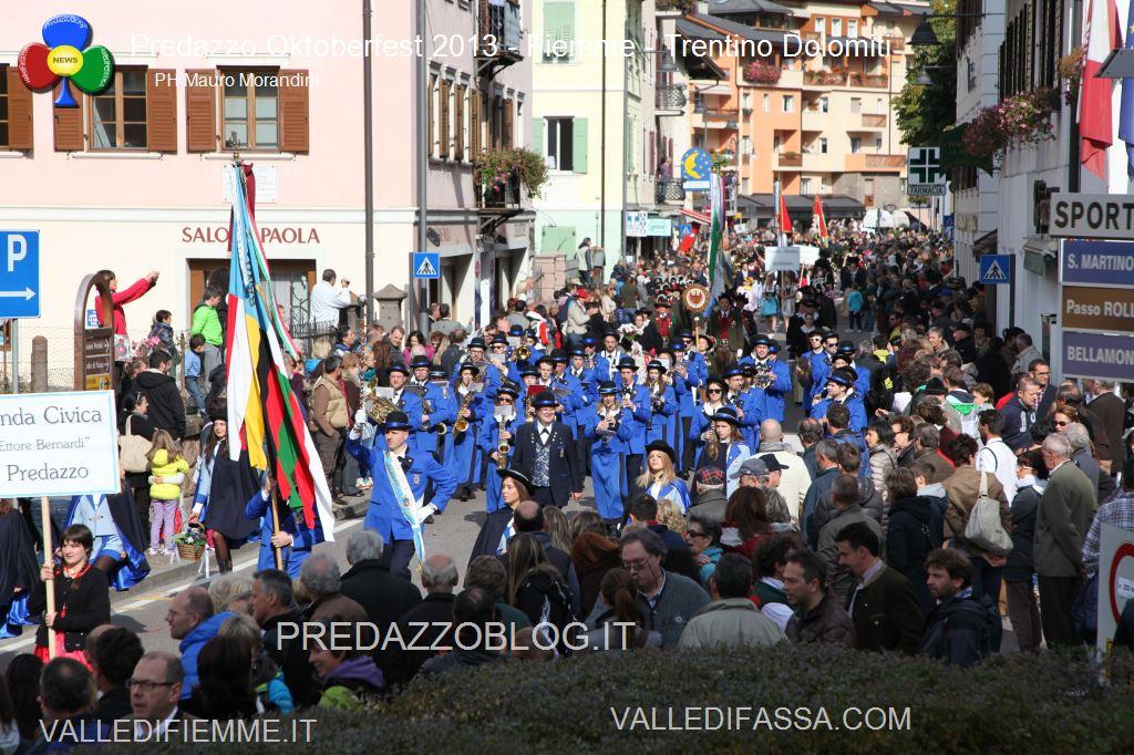 predazzo oktoberfest 2013 sfilata 20.10.2013 ph mauro morandini predazzoblog2411 Oktoberfest Predazzo 2013   Le Foto di un evento spettacolare