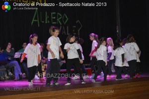 oratorio predazzo spettacolo di natale 2013 ph luca dellantonio predazzoblog125 300x200 oratorio predazzo spettacolo di natale 2013 ph luca dellantonio   predazzoblog125