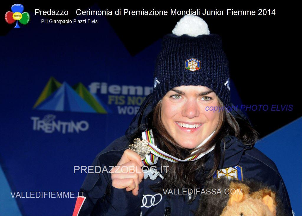 Predazzo premiazione Mondiali jr Fiemme 2014 ph Giampaolo Piazzi Elvis11 Podio per la fiemmese Giulia Stuerz alla Sprint Mondiale JR   110 foto dalla Medal Plaza di Predazzo