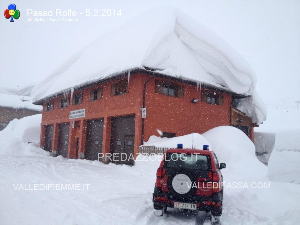 nevicate 2014 passo rolle e dolomiti3 Crolla il tetto del cinema per troppa neve a San Martino di Castrozza   Interventi anche al Rolle