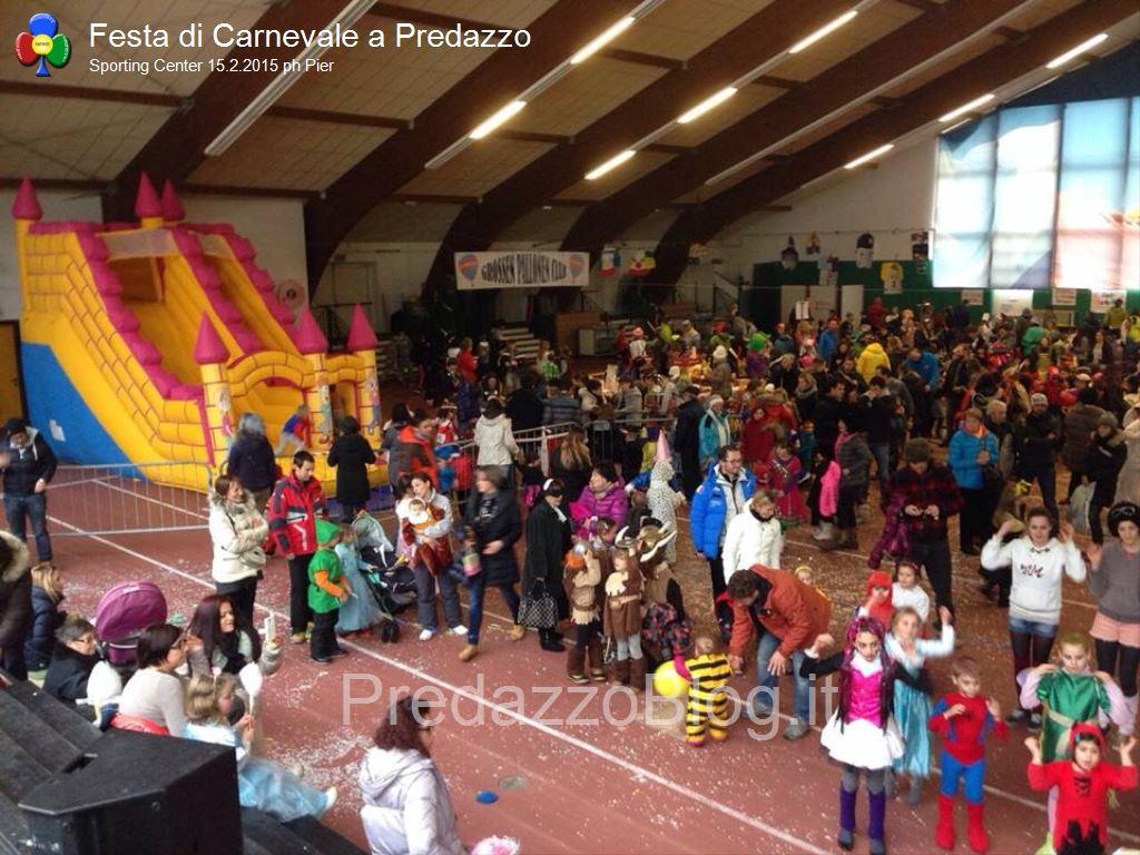 predazzo carnevale 2015 sporting center2 Predazzo, successo per il Carnevale dei Bambini allo Sporting Center
