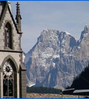 chiesa predazzo dolomiti
