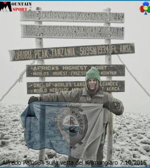 Alfredo Paluselli sulla vetta del Kilimangiaro