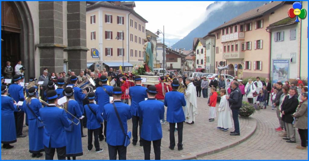 predazzo processione madonna ottobre 18.10.15 1024x534 Avvisi Parrocchia 18/25 ottobre