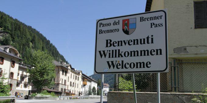 """brennero welcome La """"rotta balcanica"""" ha chiuso ai profughi"""