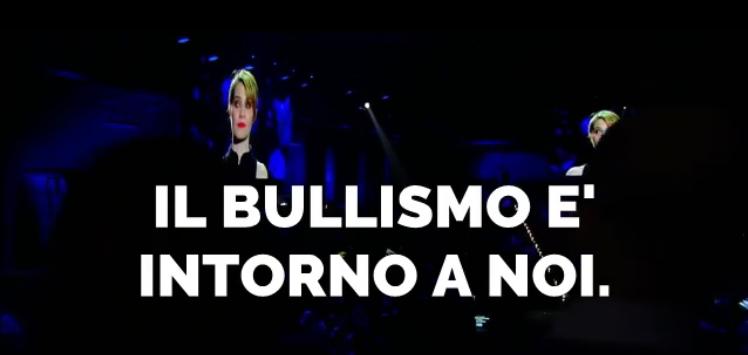 bullismo Il bullismo nel video di Paola Cortellesi