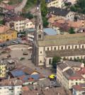 piazza municipio e chiesa predazzo