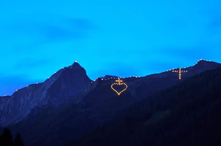 13327650 902816769841461 1021009119399768880 n I fuochi del Sacro Cuore sui monti di Fassa e Fiemme