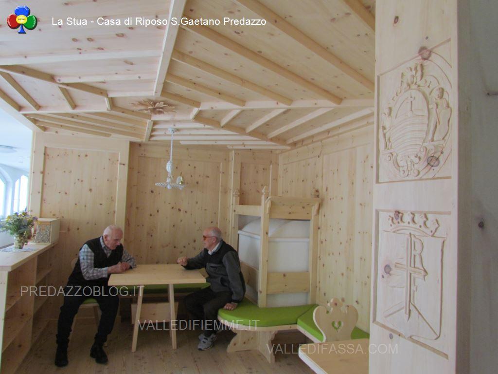 Case Di Montagna Predazzo : Profuma di cirmolo la stua della casa di riposo predazzo