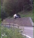 auto su muro ss 48 dolomiti