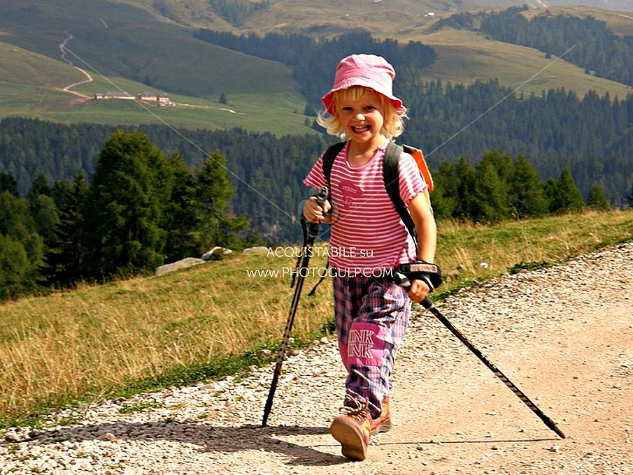 camminare 1 CamminaMente, il cammino cosciente in mostra a Ziano