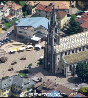 piazza-predazzo-con-chiesa2