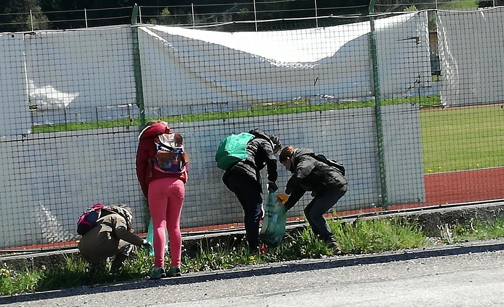 giornata ecologica predazzo 120 volontari alla Giornata Ecologica di Predazzo