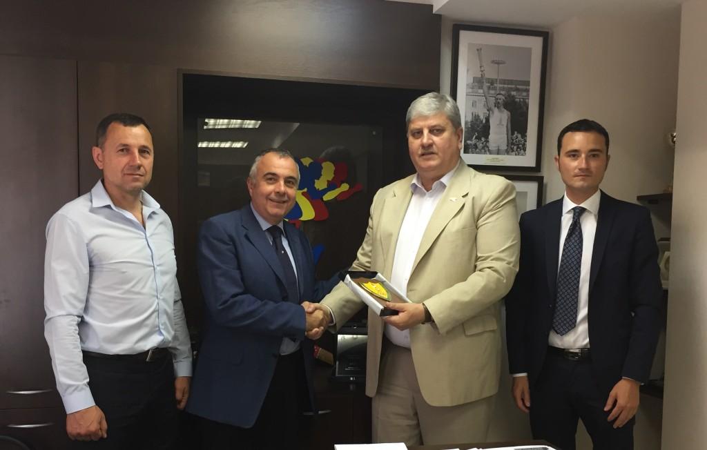 Incontro con Presidente Federazione moldava atletica leggera Anatol Balan 1024x652 Le relazioni fra Italia e Repubblica Moldova passano anche da Predazzo