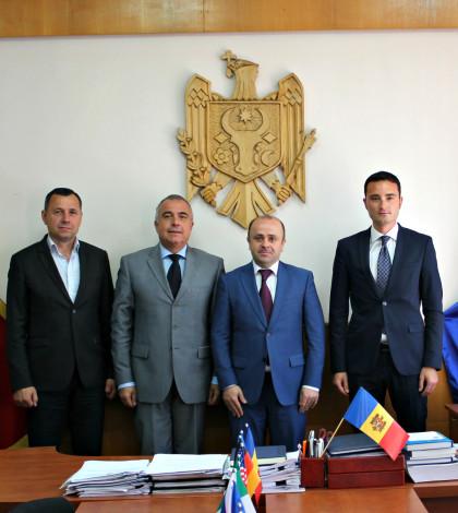 Incontro presso Ministero dello Sport, da sx Viceministro Ivan Florean, Col. Vincenzo Parrinello, Ministro Victor Zubcu, Gianni Boninsegna