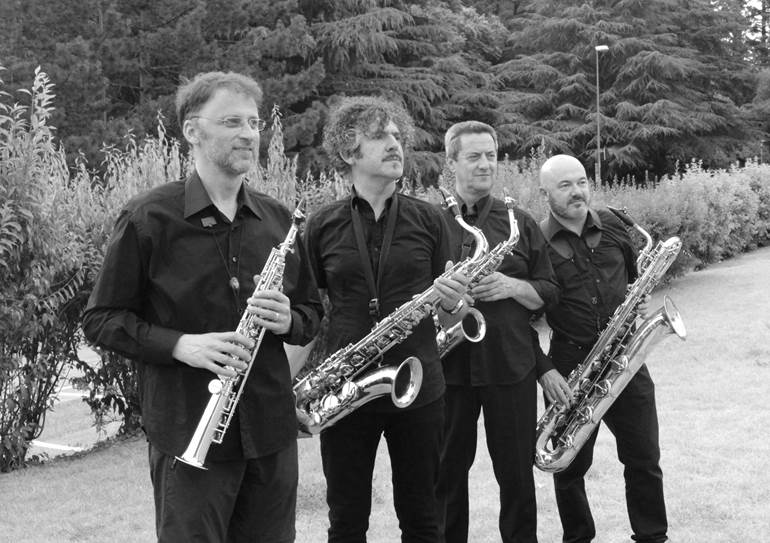 Modern Saxophone Quartet Modern Saxophone Quartet nella Piazzetta Caorer