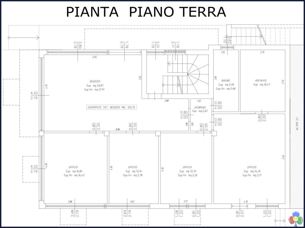 affittasi uffici dellagiacoma giuseppe via lagorai predazzo 1024x767 Affittasi prestigiosi locali in via Lagorai a Predazzo