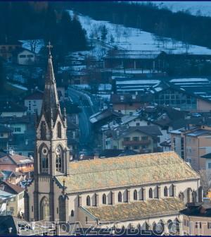 chiesa predazzo autunno neve