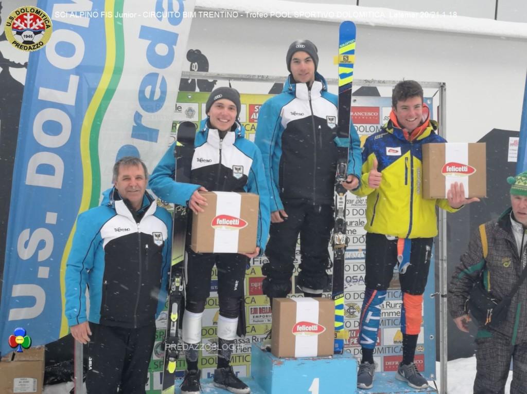 podio aspiranti maschile 21 01 2018 1024x767 Splendido SCI ALPINO FIS Junior al Latemar con US. Dolomitica