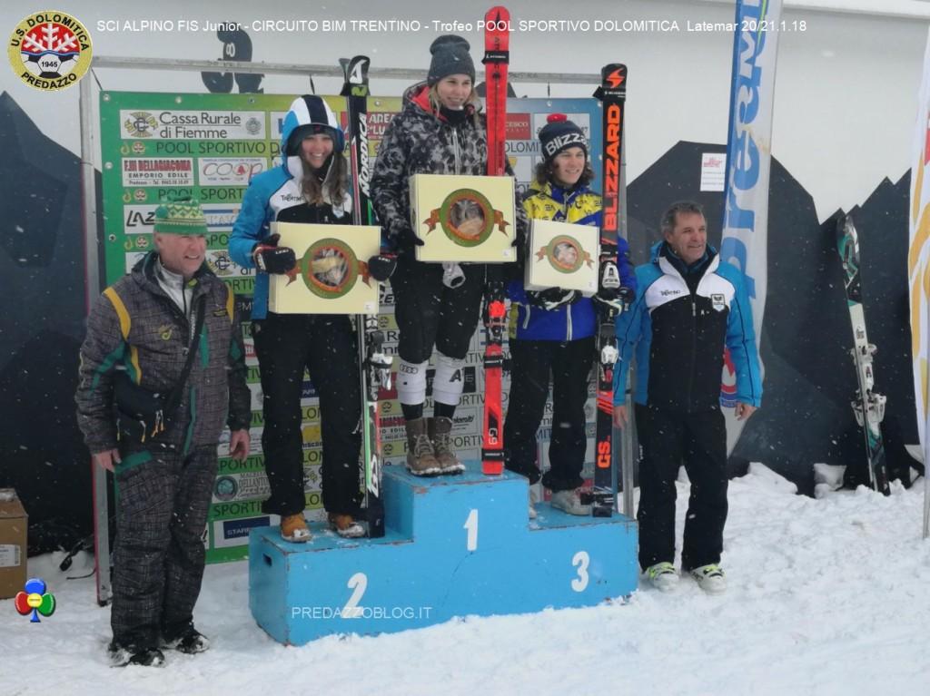 podio assoluto femmnile 21 01 2018 1024x767 Splendido SCI ALPINO FIS Junior al Latemar con US. Dolomitica