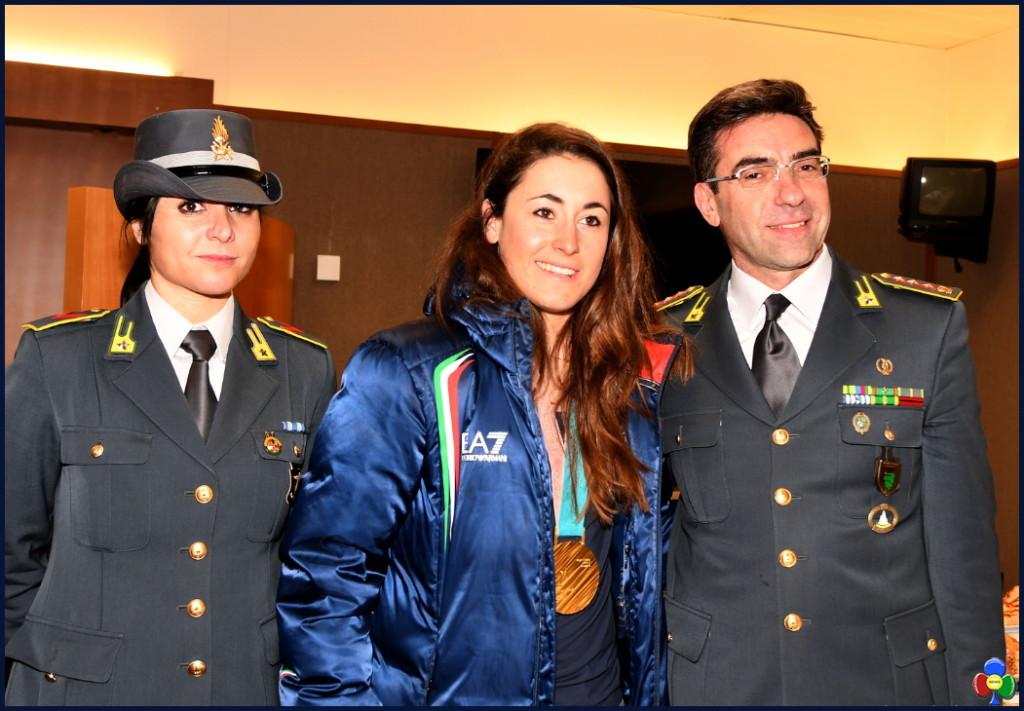 SOFIA GOGGIA fiamme gialle 1 1024x711 SOFIA GOGGIA accolta dai colleghi delle Fiamme Gialle a Milano
