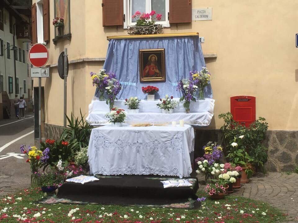altare ischia corpus domini 2018 by Luisa Monsorno Avvisi Parrocchie 3/10 giugno   Foto Corpus Domini