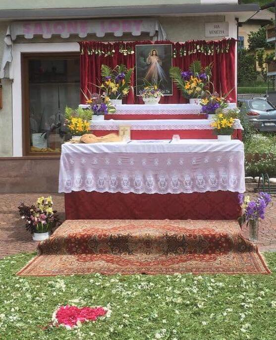 altare somaila corpus domini 2018 by Luisa Monsorno Avvisi Parrocchie 16 23 giugno e necrologi