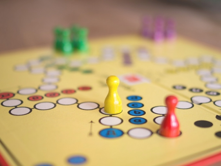 gioco pedine Raccolta di giochi da tavola usati per la Scuola Primaria