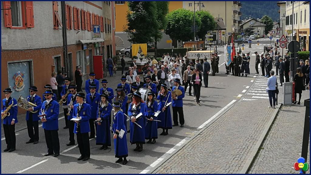 processione corpus domini predazzo 3.6.2018 predazzoblog 1 1024x576 Avvisi Parrocchie 3/10 giugno   Foto Corpus Domini