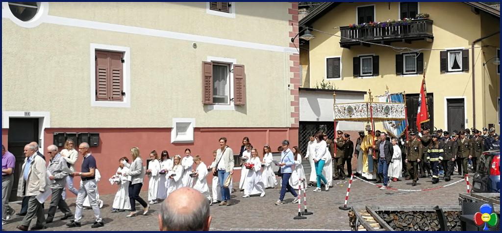 processione corpus domini predazzo 3.6.2018 predazzoblog 1024x476 Avvisi Parrocchie 3/10 giugno   Foto Corpus Domini