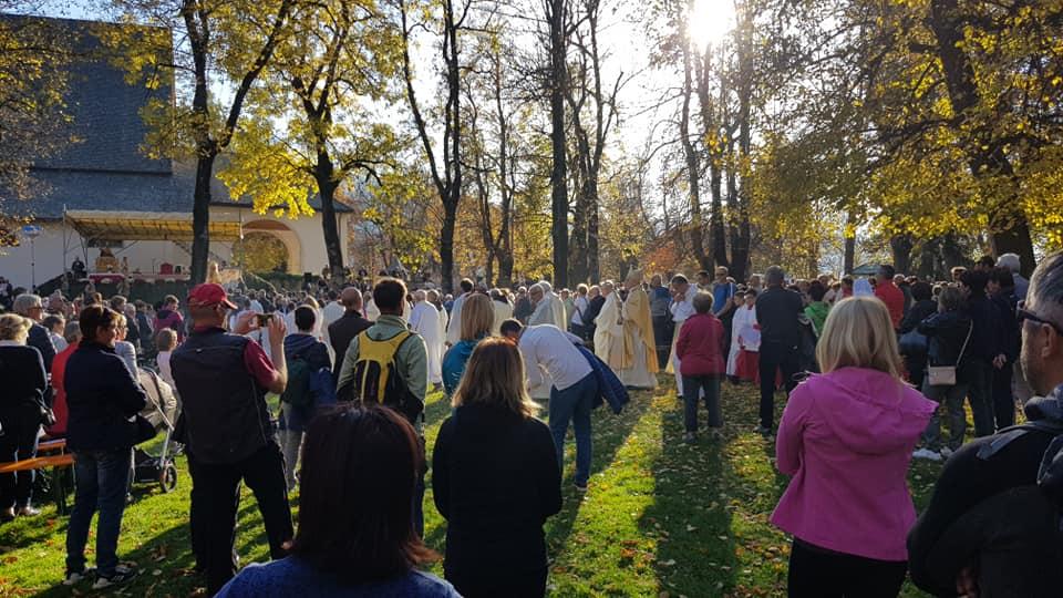 processione madonna addolorata da predazzo a cavalese un anno dopo tempesta vaia 27 ottobre 2019 ph bruno antoniazzi Avvisi Parrocchie 27 ott. / 3 nov.